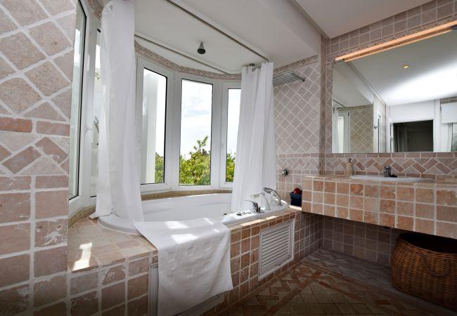 Barbaria - Baño en Suite - Dormitorio 1