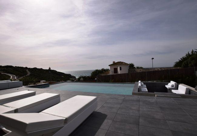 Essencia - Zona descanso piscina