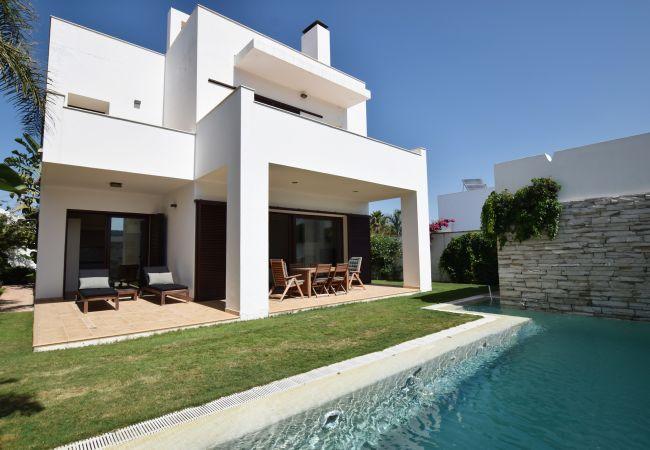 El Balneario - Casa con jardín y piscina