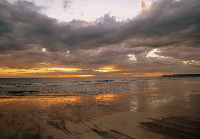 Sobre los Mares - PlayaZaharatarde