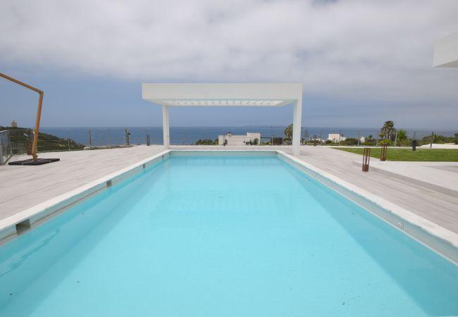 Villa Camarinal - Piscina