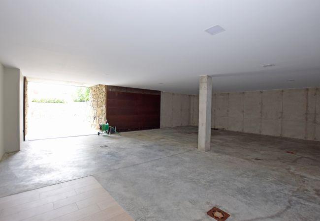 Villa Camarinal - Garaje Cubierto